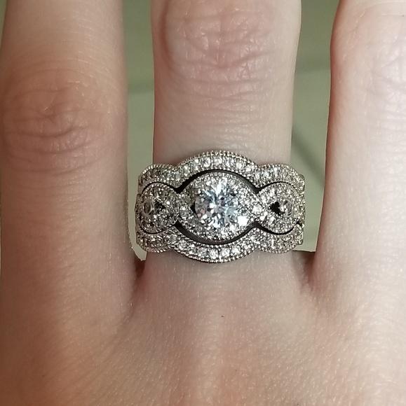 Jewelry - 🆕️10K WGF- White Sapphire Ring Set Sz 8